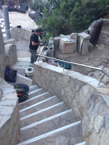 Acero inoxidable en terrazas de puerto andratx ac reformas - Fotos de escaleras exteriores de casas ...
